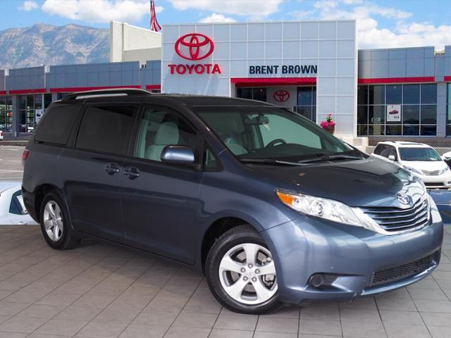 Certified Pre-Owned 2017 Toyota Sienna LE Auto Access Seat