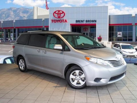 Certified Pre-Owned 2017 Toyota Sienna LE Mobility